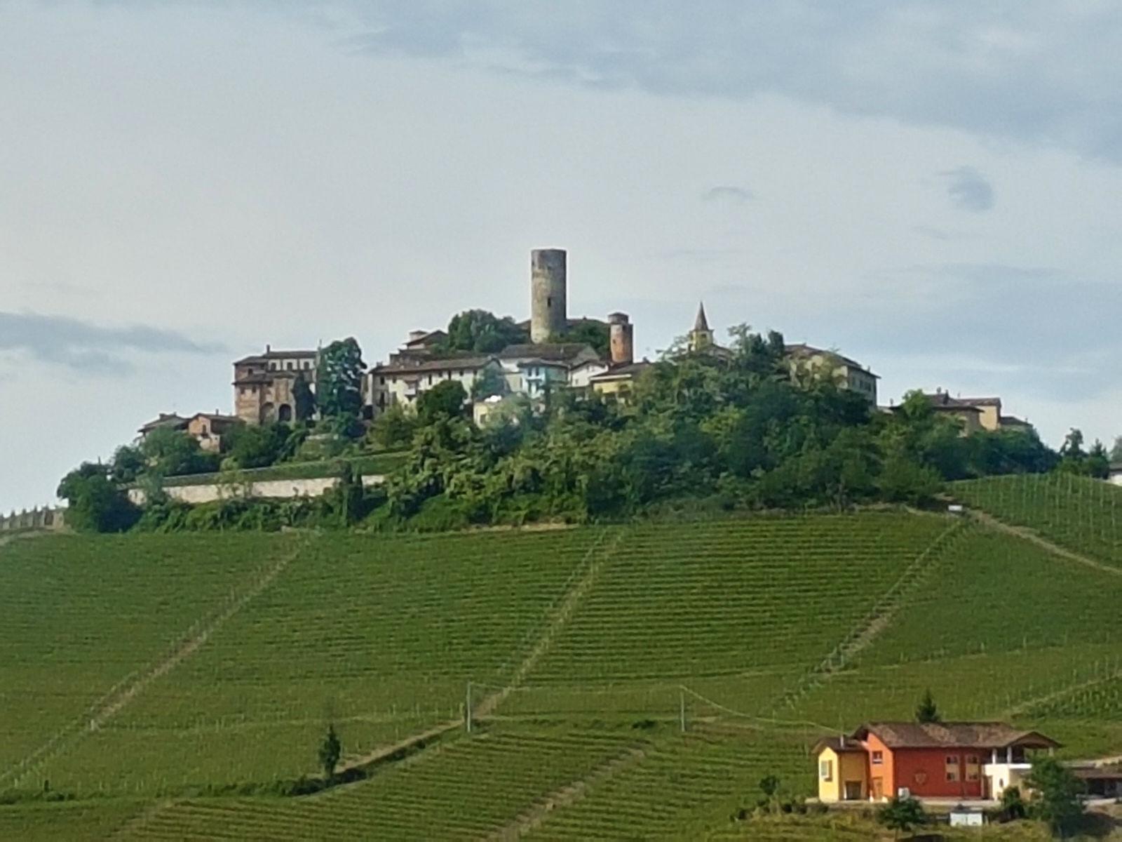 Serravalle_Langhe-Langhe