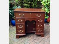 Georgian kneehole desk