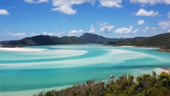 The Whitsundays, Queensland, Australia (Image uploaded to Reddit by u/nayragrets).