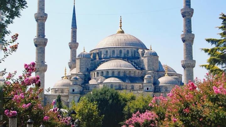 Istanbul (Image uploaded to Reddit by u/ani_svnit).