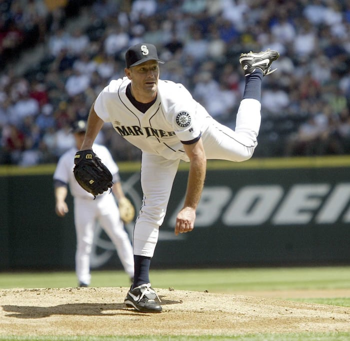 1996: Mariners acquire Jamie Moyer from the Red Sox for Darren Bragg