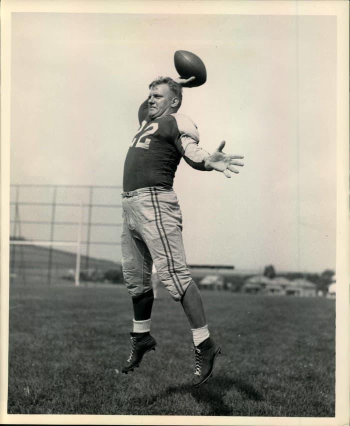 Boley Dancewicz, QB, Boston Yanks (1946)
