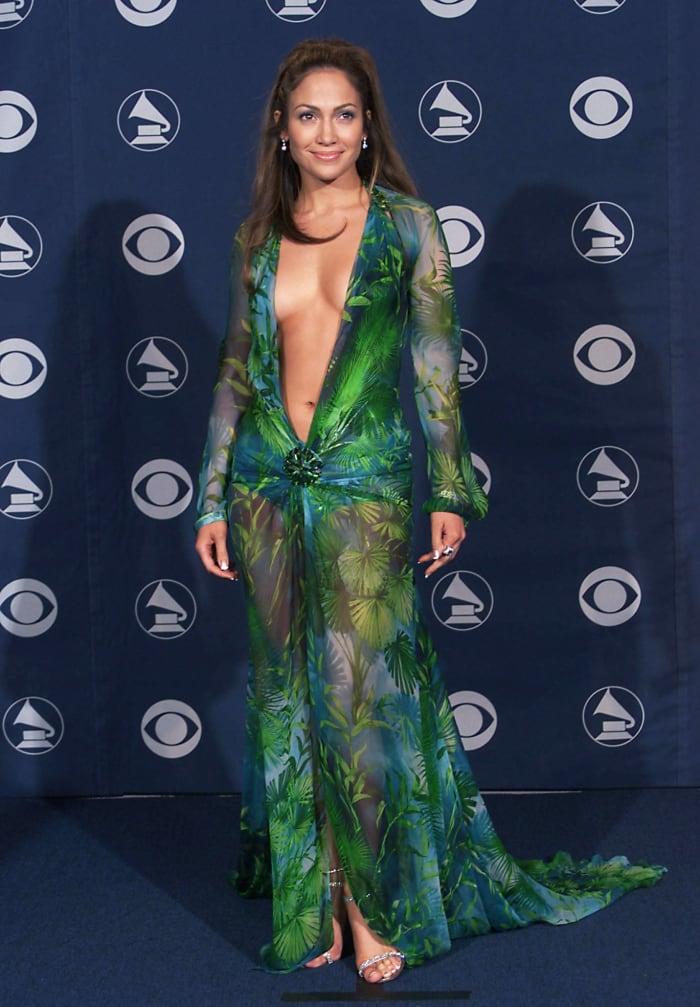2000: Jennifer Lopez's green dress