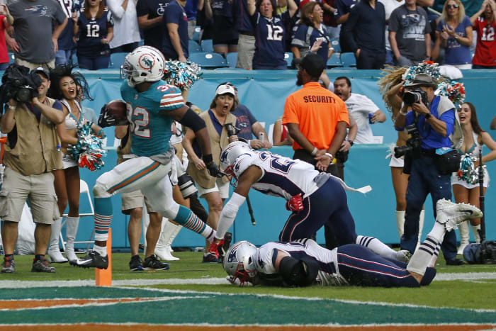 Bill Belichick outsmarts himself, and the Dolphins pull a Miami Miracle
