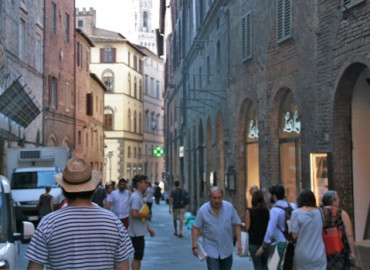 Study Abroad Reviews for Gap at CET Siena