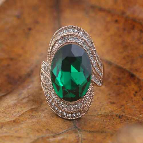 Green Stone Class Ring Made with Elements from Swarovski.