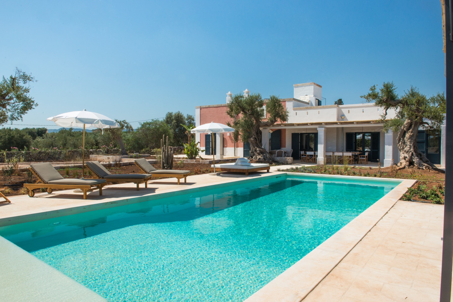 A Luxurious Masseria In The Heart Of Puglia With Private Pool