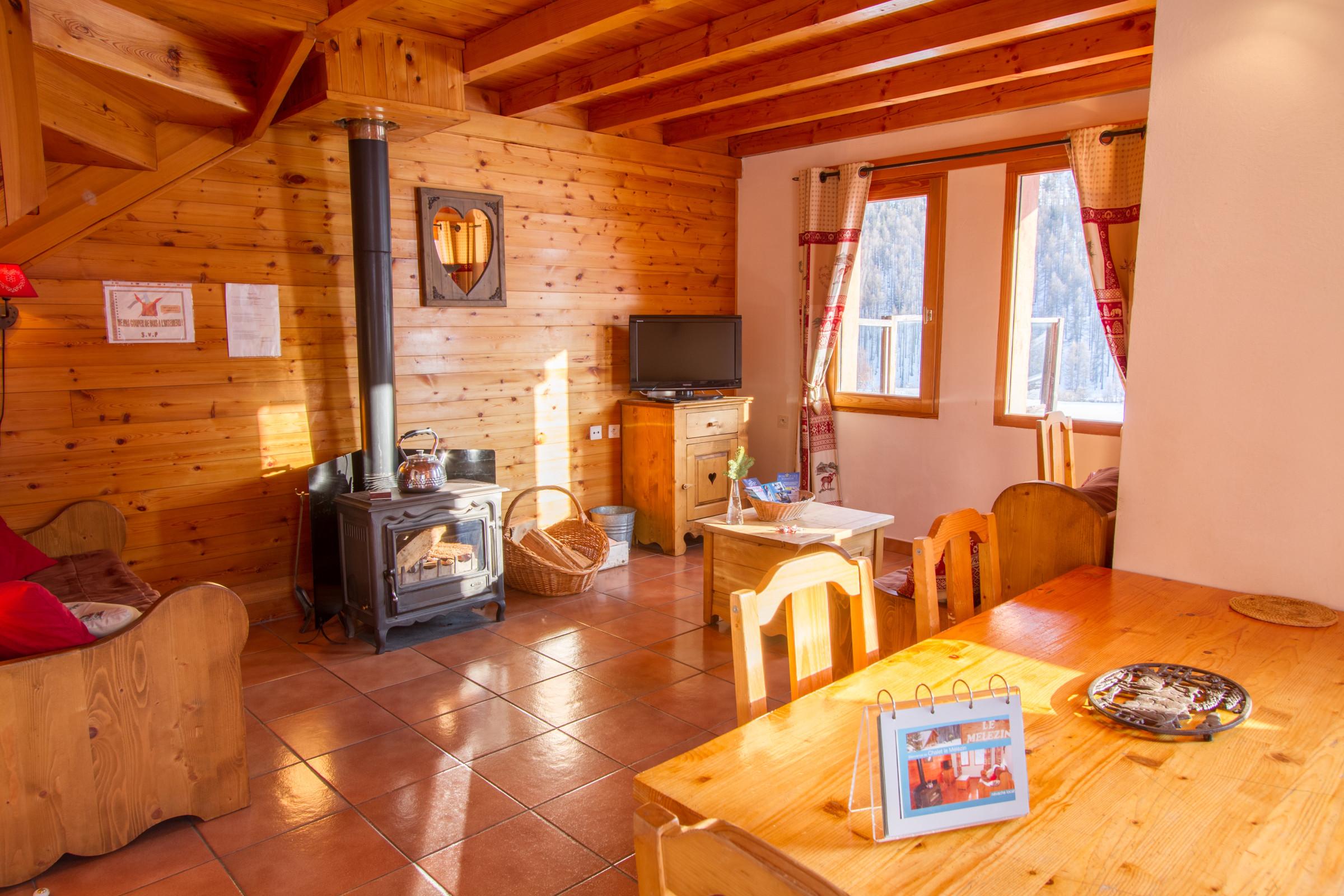 Chalet Le Mélézin hameau des Chazals Nevache Hautes Alpes