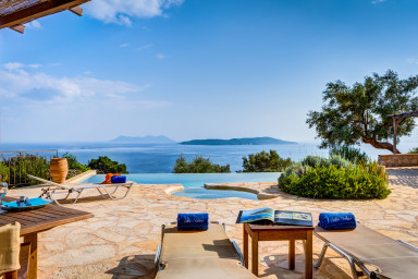 Villa Anatoli - Luxury seafront villa with private pool