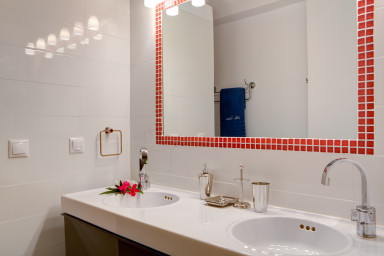 Well designed bathroom 5