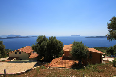 Villas Balcony, ses 2 piscines, son calme et sa mer à l'infini.