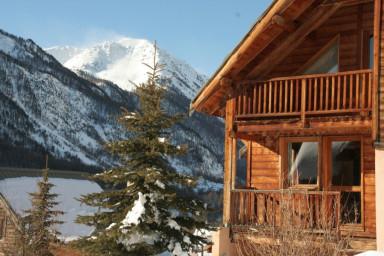 Chalet L'Eitièro hameau des Chazals Nevache Hautes Alpes