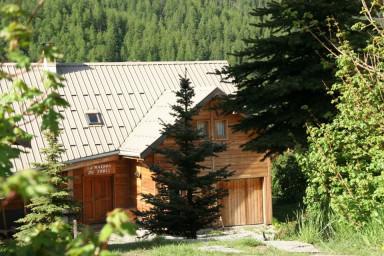 Chalet Le Troll  Hameau des Chazals Nevache Hautes Alpes