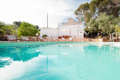 Villa Rotondo: Trulli with pool in Puglia
