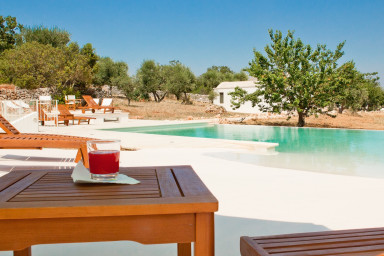 Masseria Donno Santo: Villa & Trulli with Infinity Pool