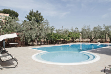 Villa Sanvito: villa with private pool in Trani