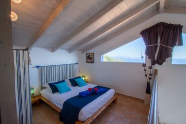 Villa Careta nascosta tra gli olivi, al calma per vacanze indimentichabili.