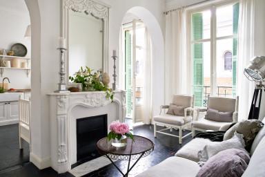 En ljus och luftig våning bara ett stenkast från Promenade des Anglais