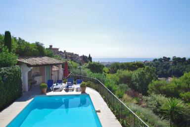 Härlig lägenhet med perfekt läge och uppvärmd pool