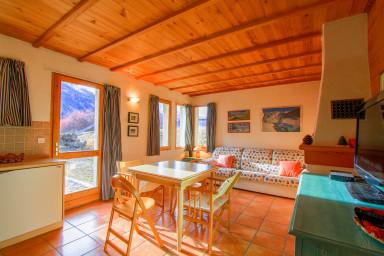 Le Miou: hameau des Chazals Nevache Hautes Alpes