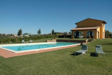 Härlig semester villa med pool med Toscansk charm