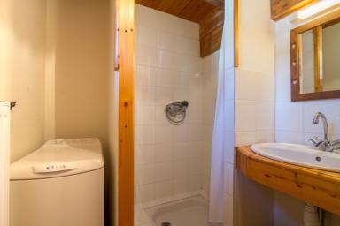 shower-room ground floor