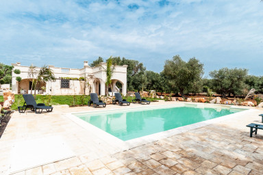Villa Carruba: Charming Villa with Pool