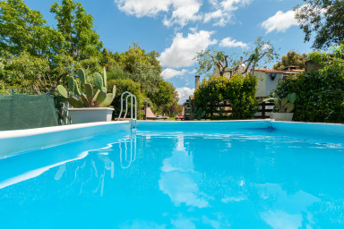 Trulli Paretano: Ideal for Families Trulli with Pool