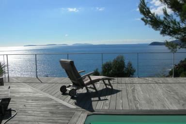 Modern lyxig villa med spektakulär havsutsikt