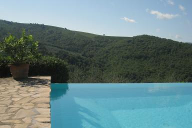 Charmig villa med idylliskt läge i vackra Toscana