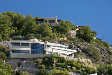 Exklusiv och generös villa med hänförande utsikt och infinitypool