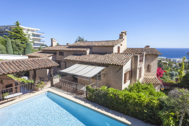 Big apartment in a Villa - superb seaview and swimming pool