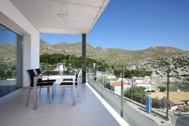 Primer piso A. Apartamento con vistas al mar y piscina exterior