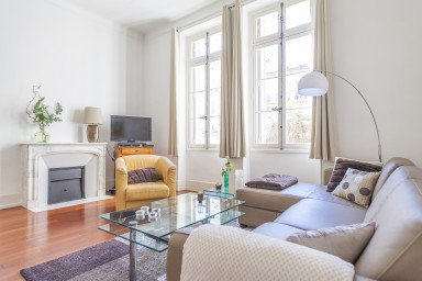 Superb 2 BR close to the Palais