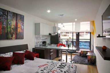 Stylish Studio in Nightlife Hotspot