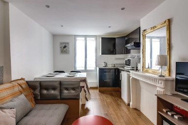 Bright 2 rooms apartment in the heart of Paris
