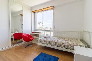 Spacious flat near Parque das Naçoes