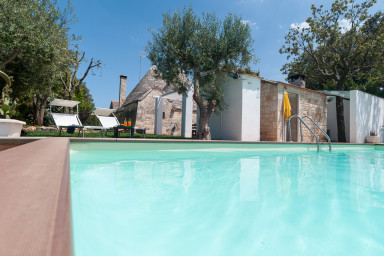 Trulli Paretano: Trulli with Pool ideal for Families