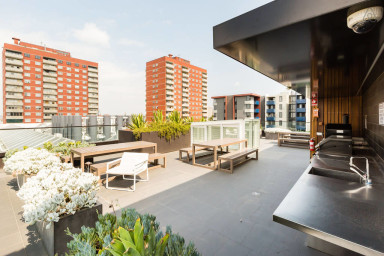 Talia, awesome 1BD space w/ rooftop