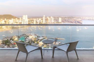 Impresionante apartamento con vistas a la bahía en H2 Cartagena