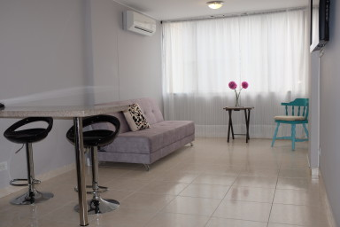 Cute one bedroom in El Peñon with A/C, WiFi and hot water.