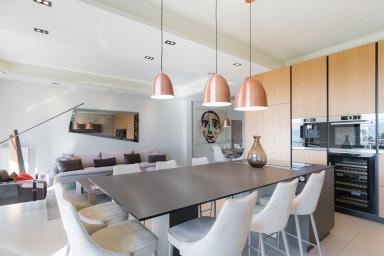 Luxueux appartement de 140 m2 design avec vue mer imprenable