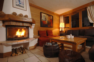 Magnificent Savoyard chalet! Ski IN!
