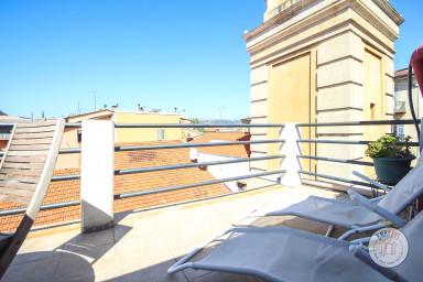 Appartement de charme avec terrasse de 20m2 au dernier étage