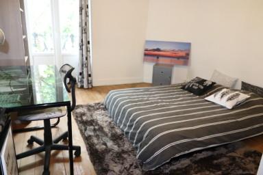 Appartement spacieux dans immeuble de caractère proche centre de Bordeaux