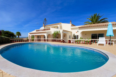 Nice spacious villa with private pool, still available for August!