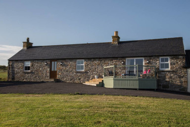 The Cottage, Dunbeath- AMAZING Views. Sleeps 4