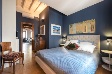 HEART OF FLORENCE Pitti 2 Bed-Apartment!