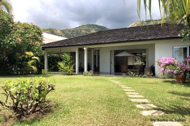 maison mitinui location maison bord de mer tahiti. Black Bedroom Furniture Sets. Home Design Ideas