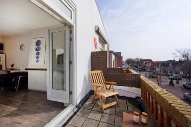 Zeestraat Family Apartment Zandvoort, sleeps 4